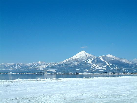 冬の磐梯山